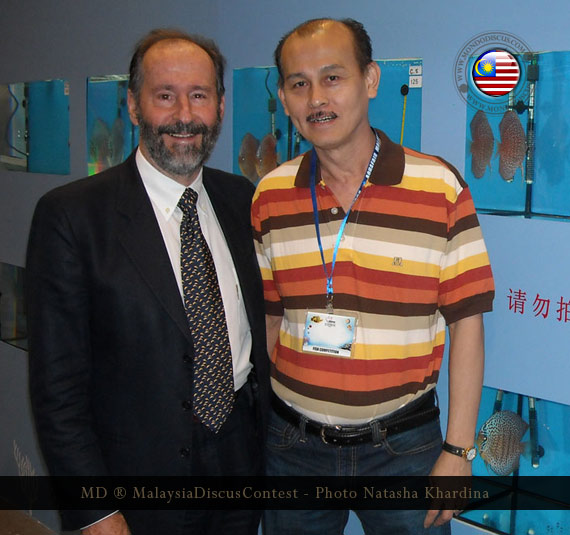 Heiko Bleher with winner discus contest malaysia